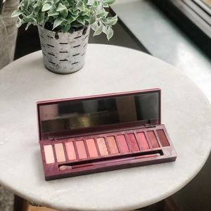 Urban Decay Naked Cherry Eyeshadow with Brush